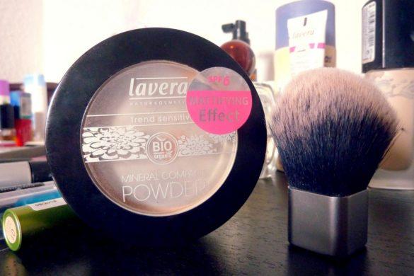 Lavera Naturkosmetik Mineral Compact Powder Testbericht für die Farbe Honey Nude mit Vorher-Nachher-Vergleich-Fotos