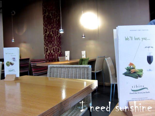Vegetarisch Essen gehen in London: In meinen London Tipps verrate ich euch wo ihr lecker vegetarisch essen könnt. Im vegetarischen Restsaurant Tibits in London war es zum Beispiel sehr lecker und gemütlich.