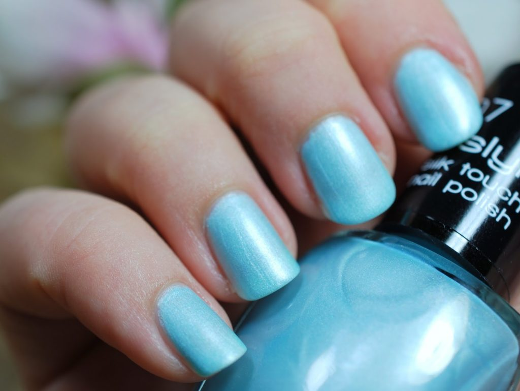 Misslyn Silk Touch Nail Polish 07 Standing Ovations