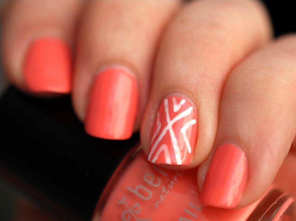 Schnelles und einfaches Nageldesign mit Maybelline Color Show Designer Nail Art Pen und Benecos Peach Sorbet