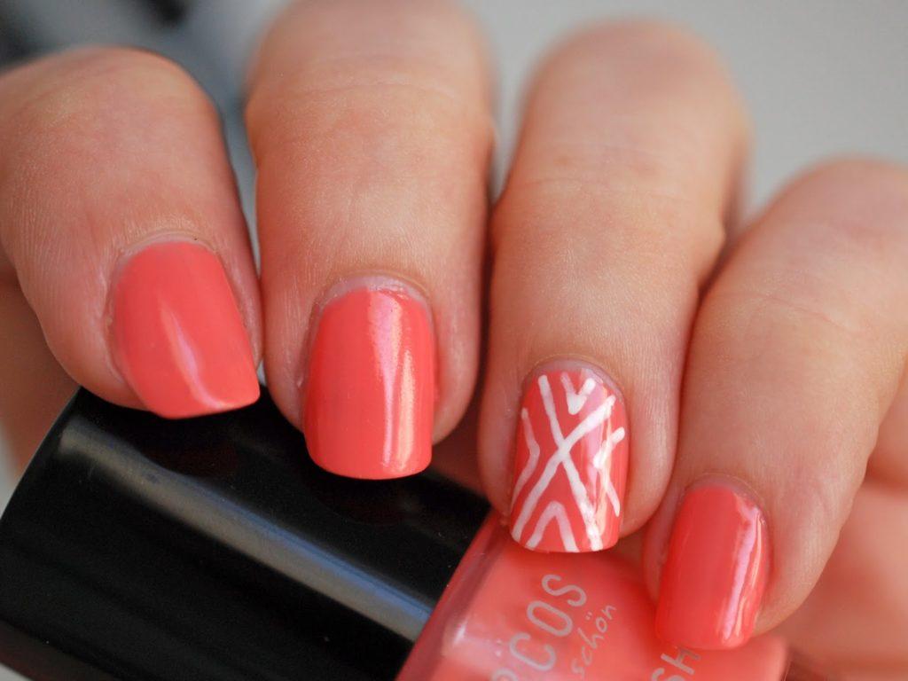 Schnelles Nageldesign Benecos Peach Sorbet Maybelline Color Show Designer Nail Art Pen White