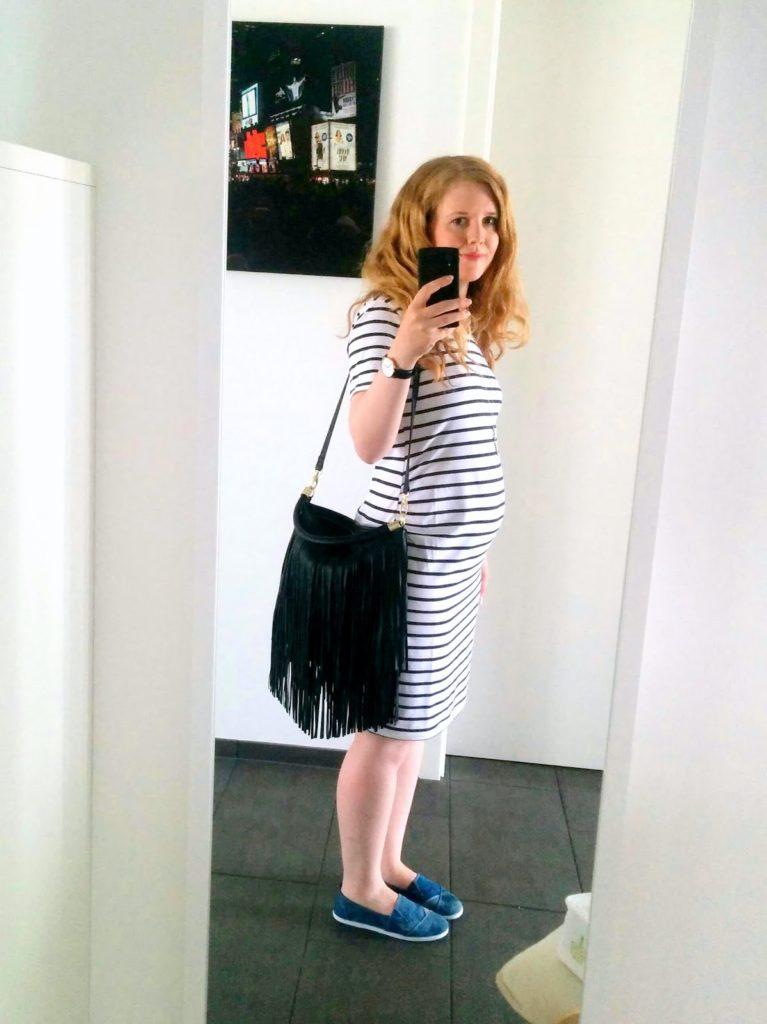 22. SSW Schwangerschaftswoche: Gestreiftes Schwangerschaftskleid von H&M