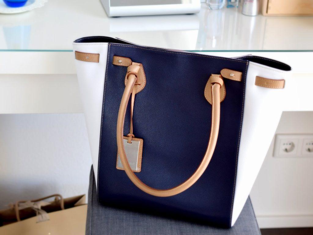Handtasche von Stilgut: Eine große Handtasche für das Blogger Event, damit alle wichtigen Sachen für das Event reinpassen