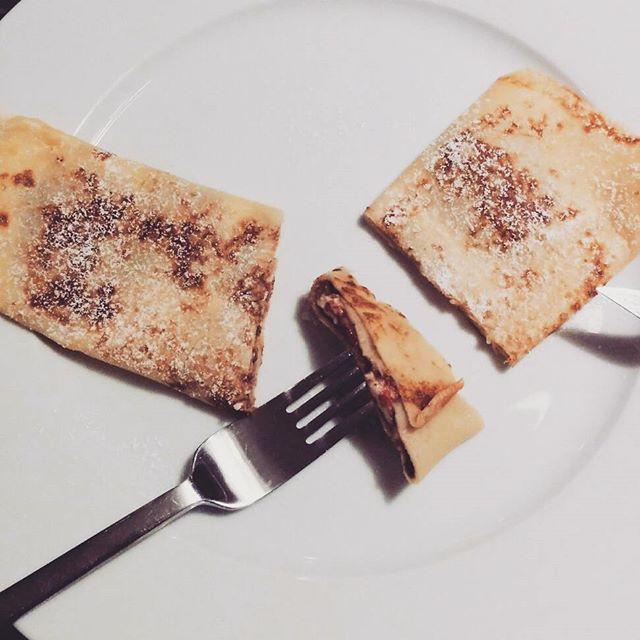 Crêpes mit Kinderschokolade und Yogurette