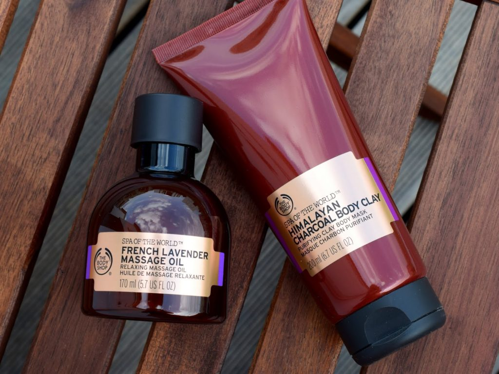 The Body Shop: Massagöl Französischer Lavendel + Himalayanische Kohle Maske für den Körper