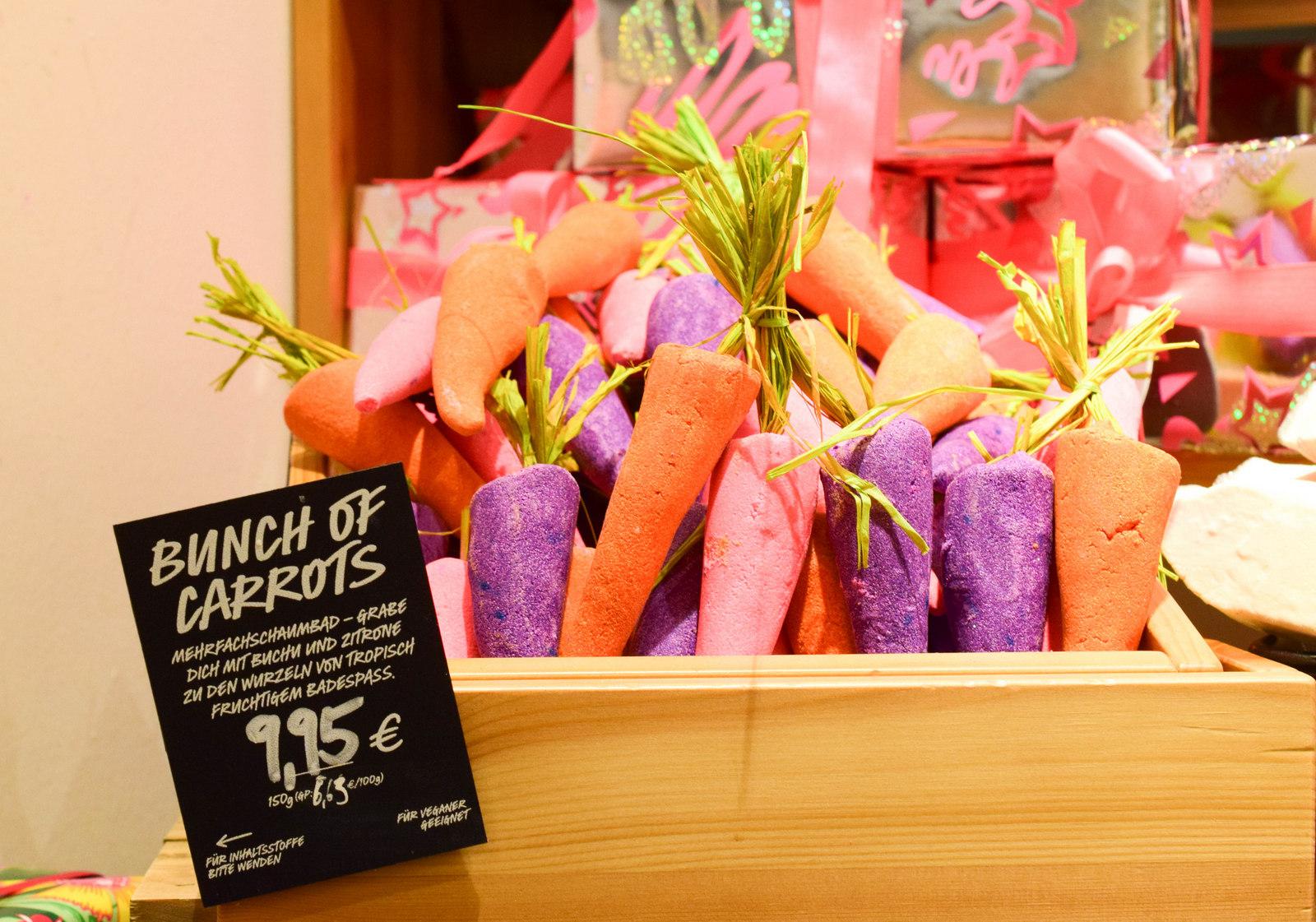Bunch Of Carrots darf auch 2016 bei Lush Ostern nicht fehlen. Das Mehrfachschaumbad kostet 9,95€.