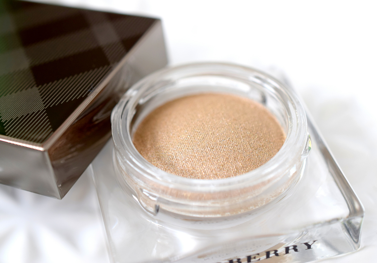 burberry-velvet-lace-review-eye-color-cream-2