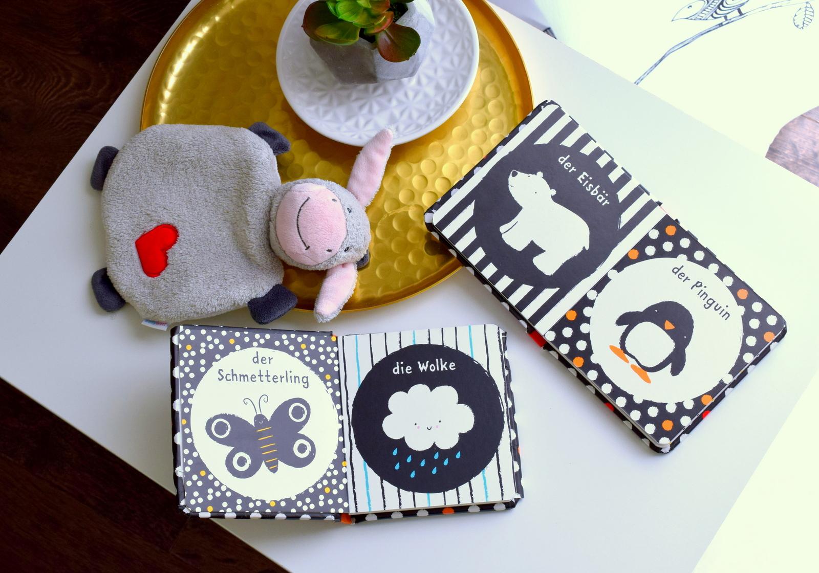 Als Geschenk Idee zur Geburt für kleine Babys sind Baby Bücher in Schwarz-Weiß super.