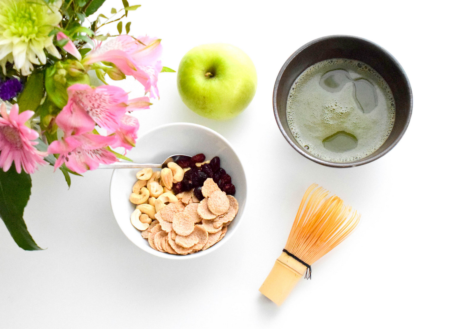 Frisch durch den Tag auch im Sommer mit dem Sebamed Frische Deo Lemongras und Grüner Tee ohne Aluminiumsalze.