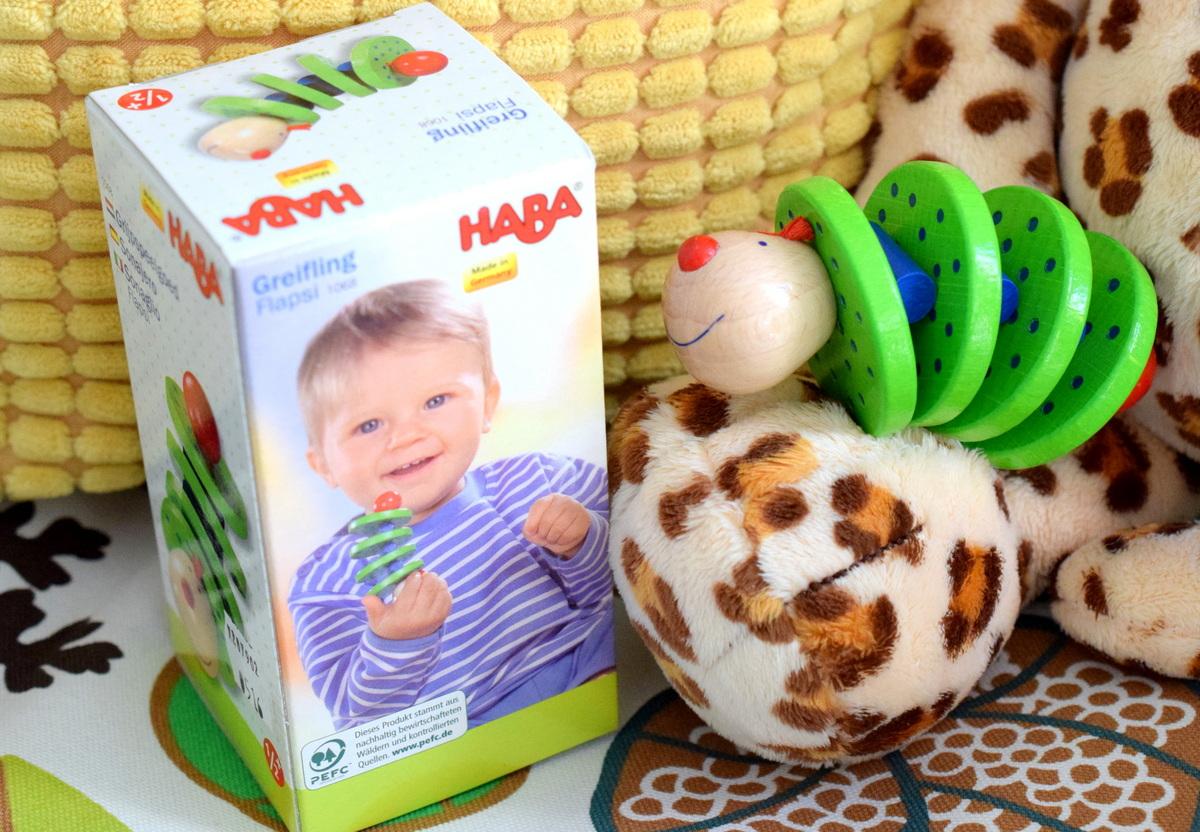 Geschenkideen zur Geburt Holz-Greifling von Haba Flapsi für Babys.