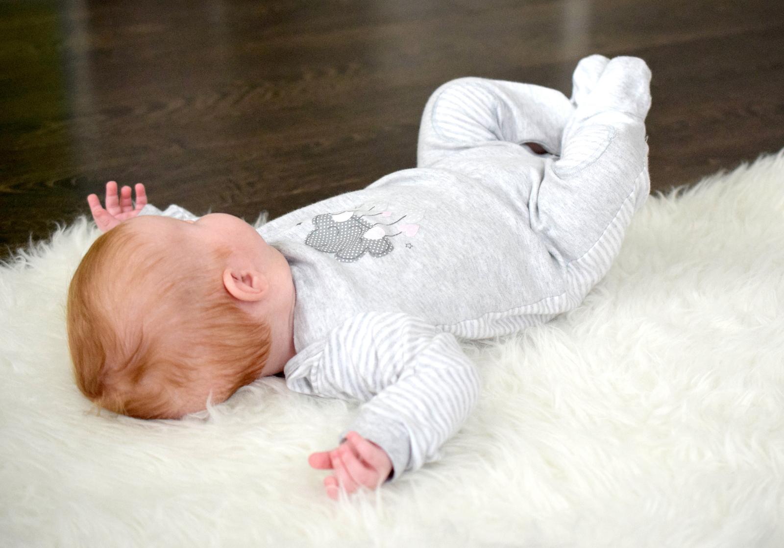 Geschlechtsneutrale Baby Kleidung Unisex gegen Vorurteile und Rosa Hellblau Falle.