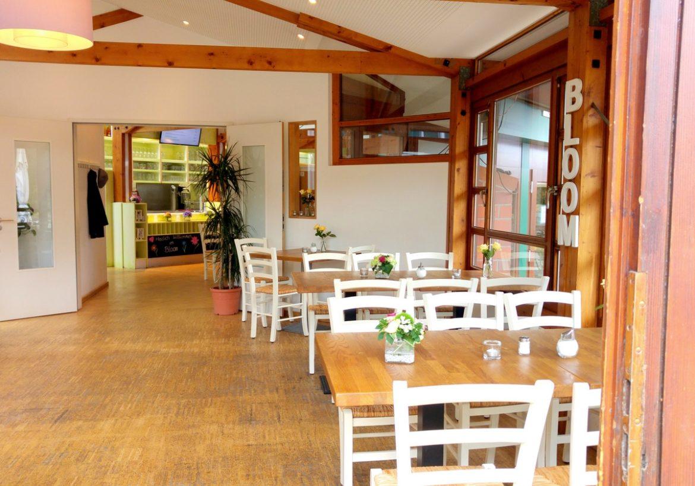 Unterwegs mit Kindern in Bremen essen gehen im kinderfreundlichen Restaurant und Cafe Bloom im Rhododendronpark in Bremen