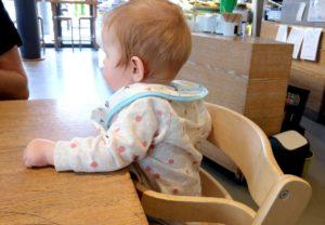 Aus dem Alltag mit Baby wenn sich beim Frühstück im Hotel ungefragt andere in die Erziehung der Eltern einmischen und veraltete Erziehungsmethoden empfehlen