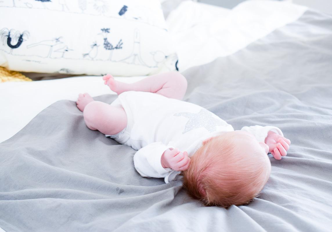 Das erste Jahr mit Baby Rückblick, Erfahrungen, Entwicklungen vom Neugeborenen zum Kleinkind auf I need sunshine Mamablog
