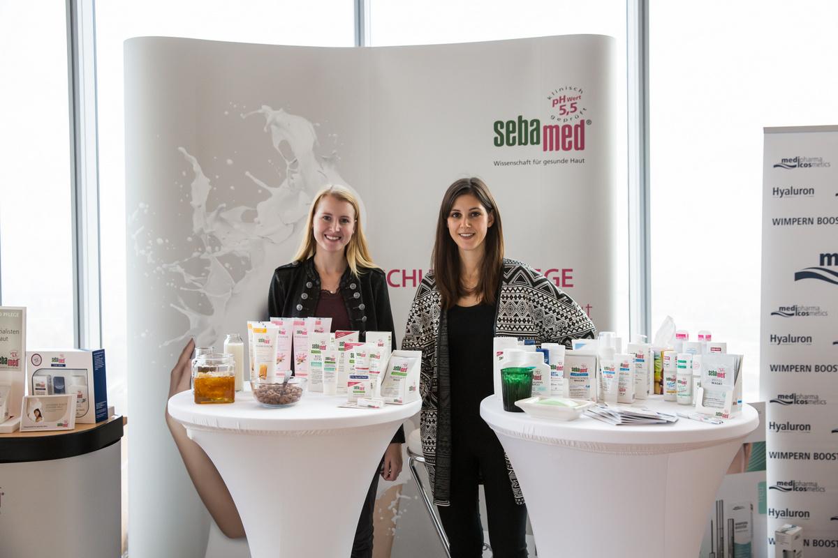 Beautypress Oktober 2016 mit Beauty-Blogger aus ganz Deutschlang am Stand von sebamed mit Urea Pflege Neuheiten für trockene Haut