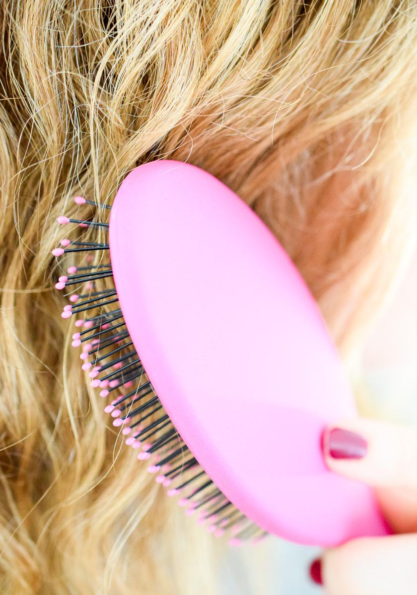 Haare entwirren Bürste von Wet Brush sanftes Entwirren von langen Haaren ohne Knoten