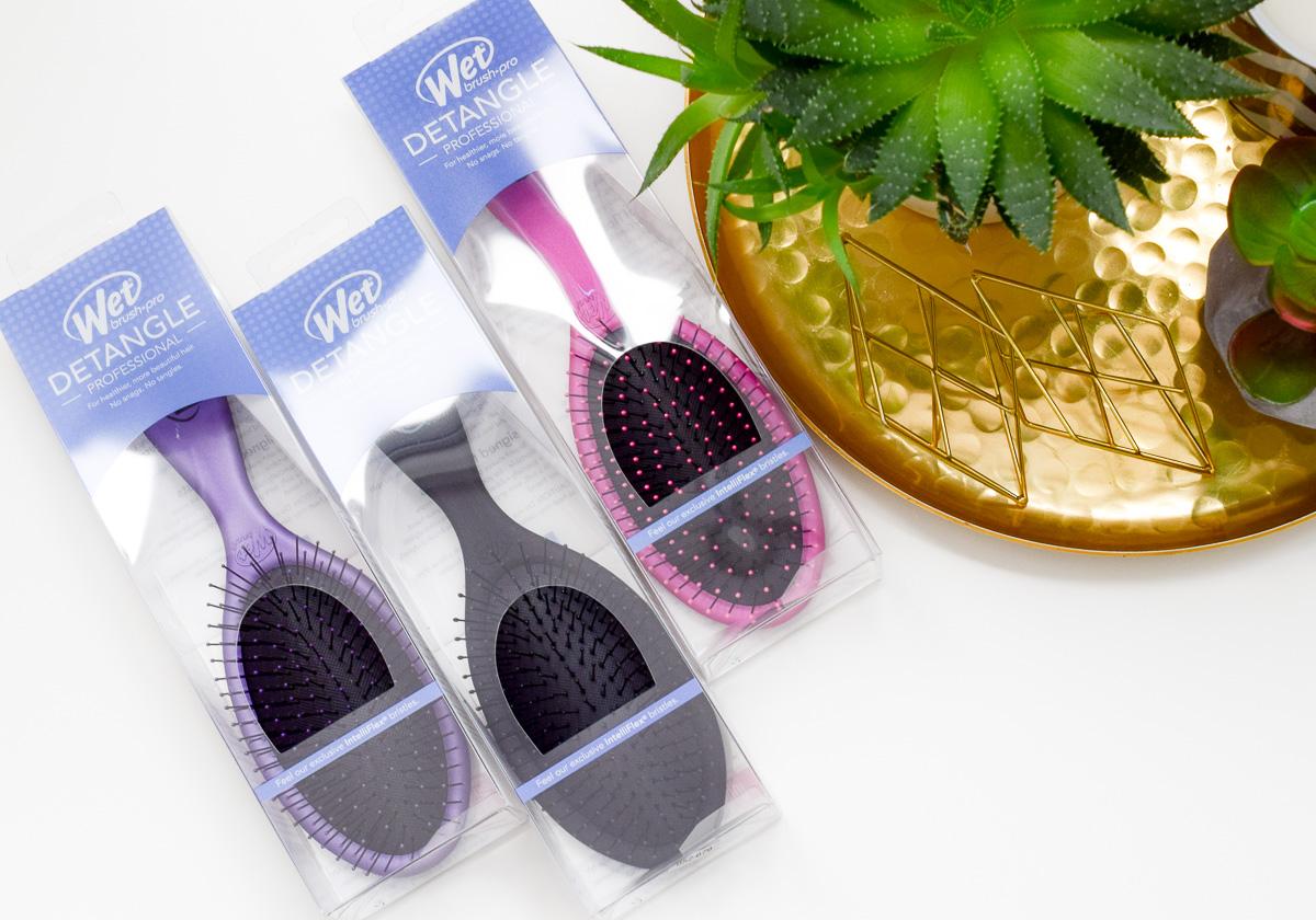 Mit der Wet Brush Haar Bürste sanftes Entwirren der Haare und Tipps für Haare entwirren und Kopfhaut massieren.