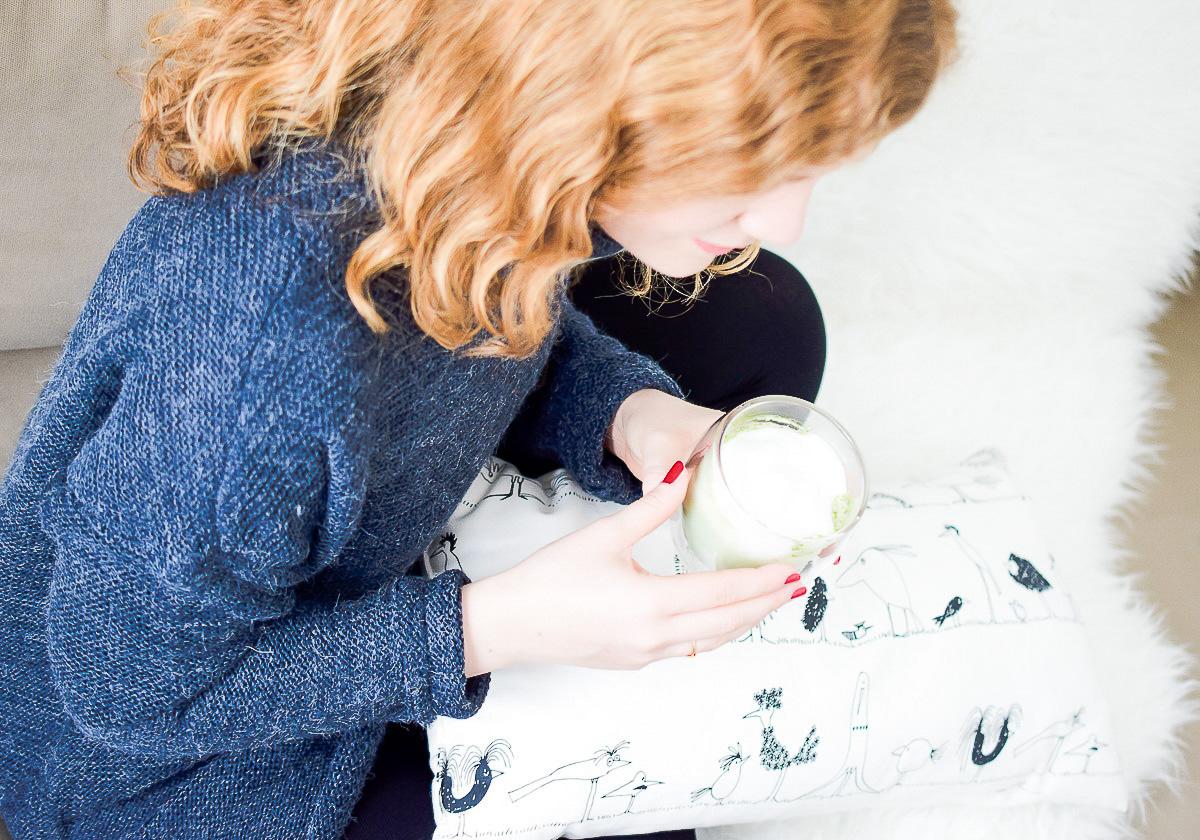 Matcha Tee gesunder Wachmacher im Winter Müdigkeit bekämpfen und bequemes Winter Outfit mit Mode von Vero Moda und About You