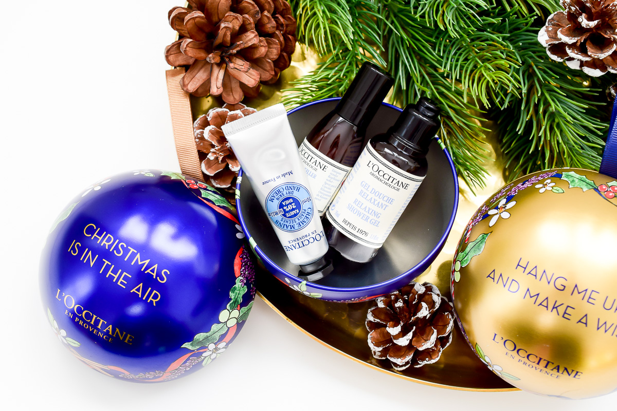 L'Occitane Weihnachtskugeln Inhalt Beauty Blogger Gewinnspiel Dezember Inhalt blaue L'Occitane Weihnachtskugel