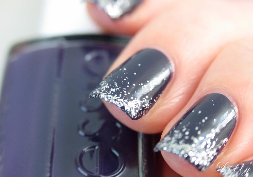 Weihnachtliches Nageldesign: Glitzer French Nails Glitzer French Nails selber machen Nageldesign für Weihnachten Maniküre Glitzer Nägel French Nails mit Essie Nagellack