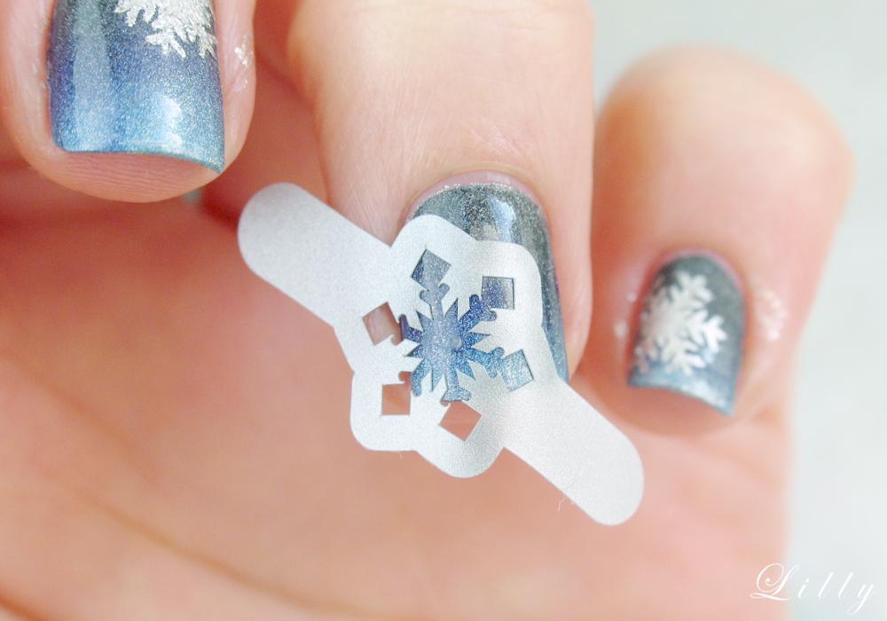 Anleitung Winternägel Nageldesign Winter mit Schneeflocken Nägel Vinyl Sticker Nageldesign Schneeflocke auf Nägel malen