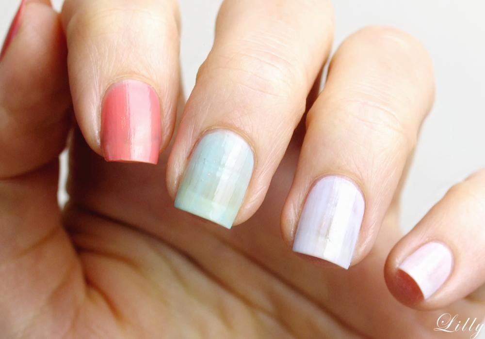 Astor Nagellacke Quick and Shine Test Erfahrungen und viele Bilder bezüglich der Deckfraft der schönen Nagellack Farben für den Frühling von Astor in der Beautyblogger Review