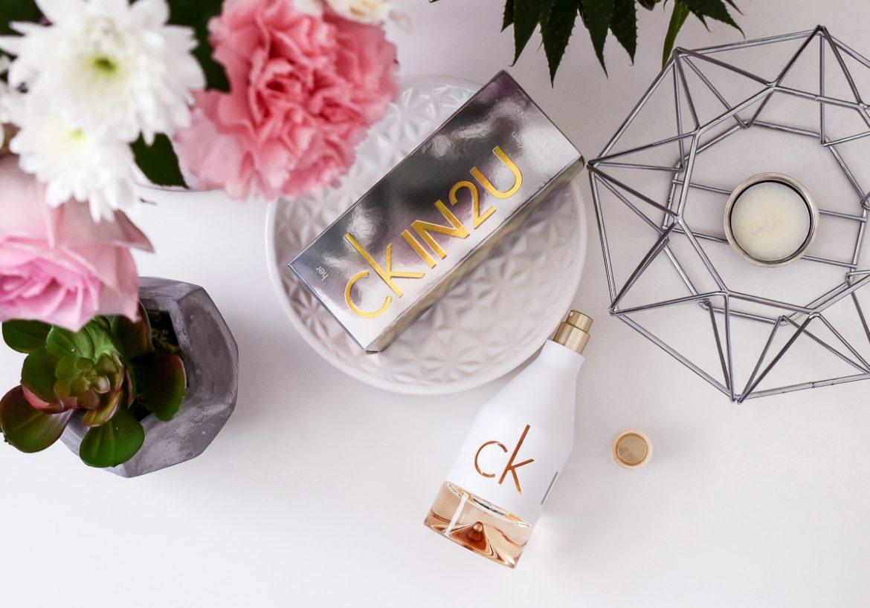 Calvin Klein Parfum ckIN2U for her Duftbeschreibung Sommer-Parfum wie Zitronenkuchen