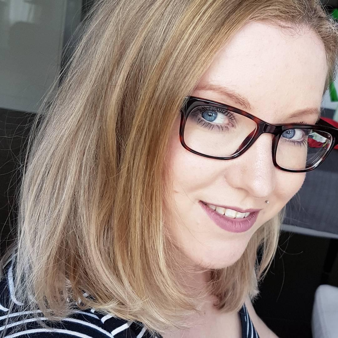 Einfach Ina Mama-Bloggerin und Beauty-Bloggerin im Beauty Talk Beautyblogger Interview über die Beauty Routine mit Baby