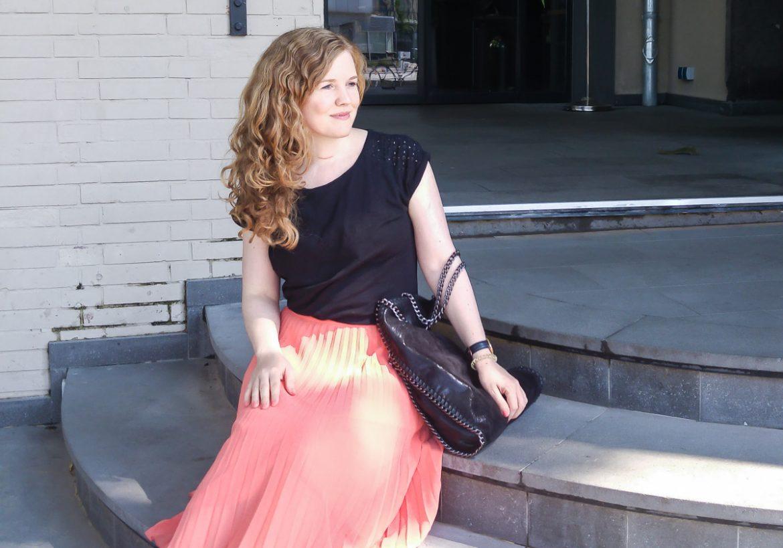 Vionic Schuhe Test und Erfahrungen Inspiration Blogger Outfit für Bloggerevent im Sommer mit Vionic Zehen Sandalen gold auf I need sunshine Lifestyleblog