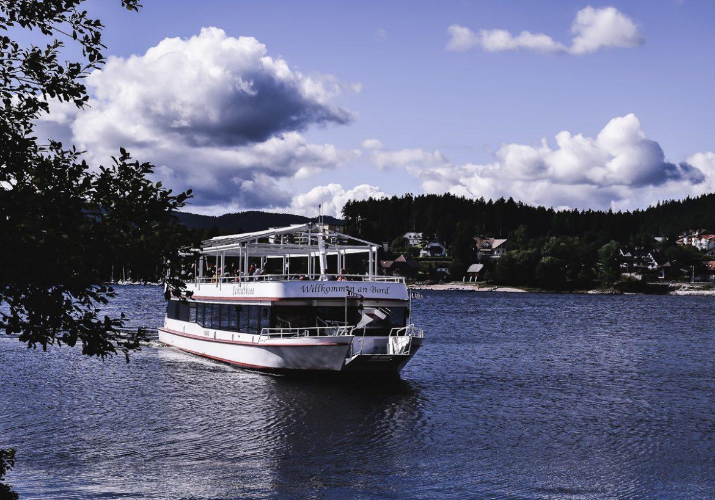 Familienurlaub in Deutschland im Schwarzwald Schifffahrt am Schluchsee