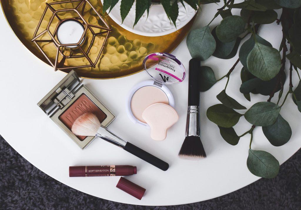 Schnelles 3-Minuten Mama Make-up Schminktipps für Mütter einfache Tricks für Schminken im Alltag für ein natürliches Tages-Make-Up