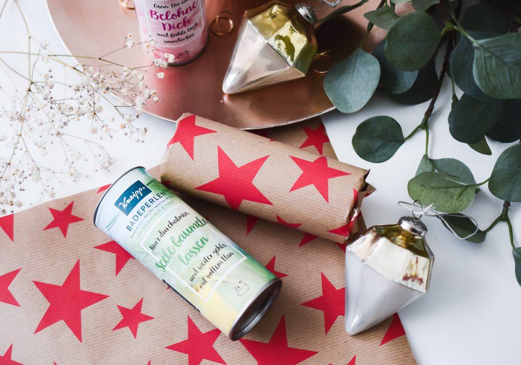 DIY Idee Weihnachten Beauty Adventskalender selber machen mit Kneipp Badeperlen Upcycling alte Verpackung