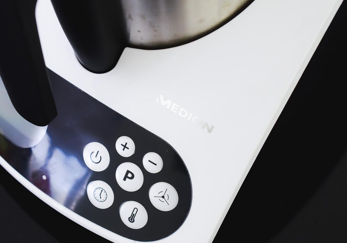 Medion Küchenmaschine MD16361 Rezept Hefezopf Ostertraditionen Süße Osterhasen Hefeteig Ostern mit Kindern