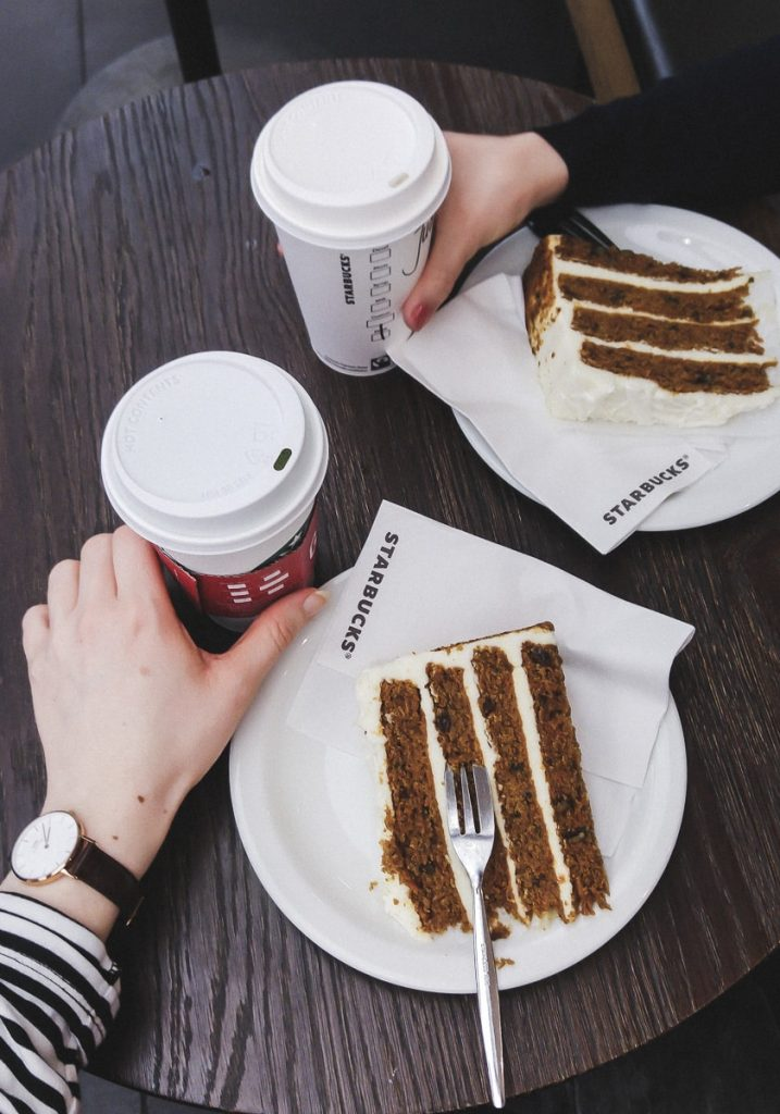 Carrot Cake bei Starbucks Karlsruhe Ettlinger Tor ECE Center
