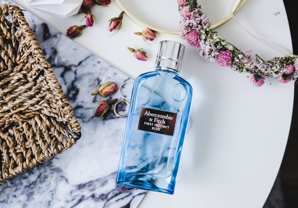 Abercrombie Fitch Parfum First Instinct Blue Sommerparfum Test Erfahrungen und Review auf Beauty Mamablog I need sunshine