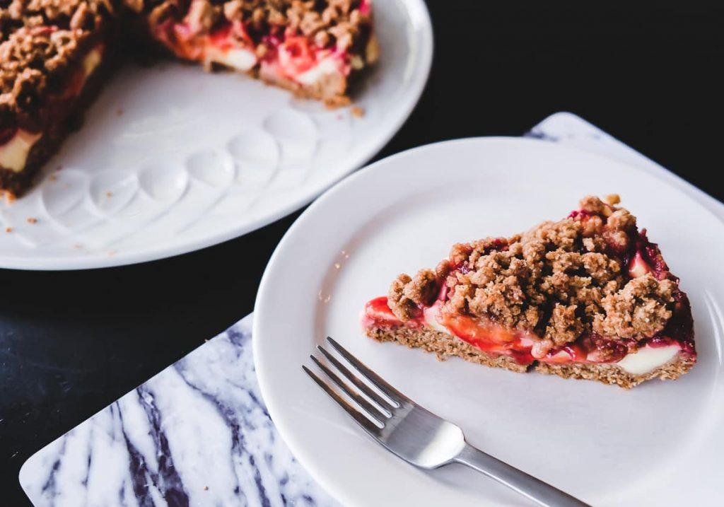 Pflaumenkuchen mit Pudding und Streuseln Rezept schnell lecker einfach Obstkuchen Obst aus Garten aufbrauchen Tipps Ideen Mamablog I need sunshine