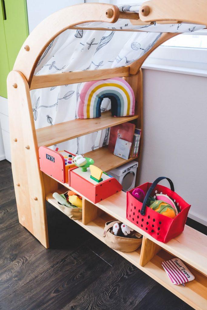 BioKinder Anna Spielhaus mit Kaufladeneinsatz im Test auf Mamablog I need sunshine