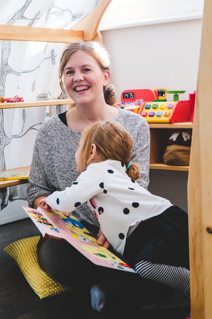Test Bericht und Erfahrungen Bio Kinder Anna Waldorf Spielhaus Kaufladen aus Naturholz für Kleinkinder Kinderzimmer auf Mamablog I need sunshine