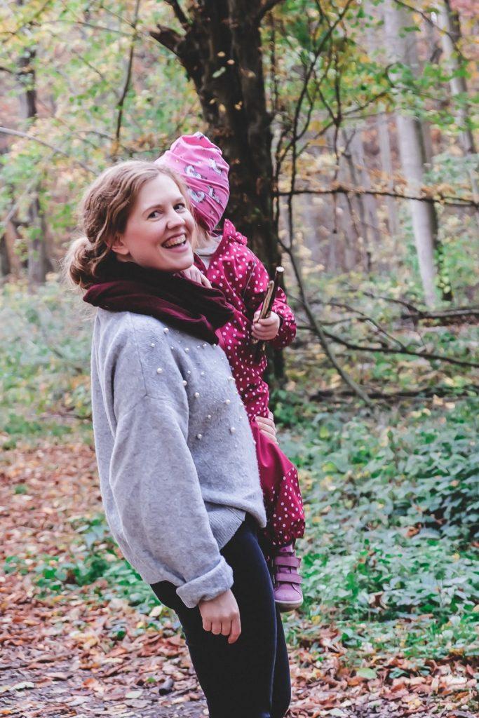 Laut AOK Familienstudie brauchen Kinder mehr Bewegung daher gibt es Ideen und Tipps für mehr Bewegung im Alltag mit Kindern auf Mamablog I need sunshine
