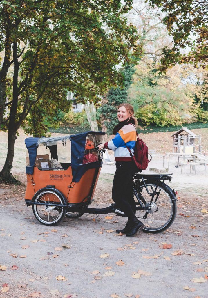 Tipps und Ideen für mehr Bewegung im Alltag mit Kindern wie Fahrrad fahren für kurze Strecken auf Mamablog I need sunshine