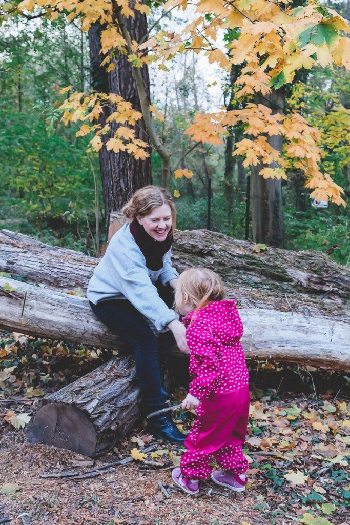 Ideen und Tipps um mehr Bewegung im Alltaeg integrieren zu können zwischen Familienleben mit Kleinkind, Beruf und Haushalt auf Mamablog I need sunshine