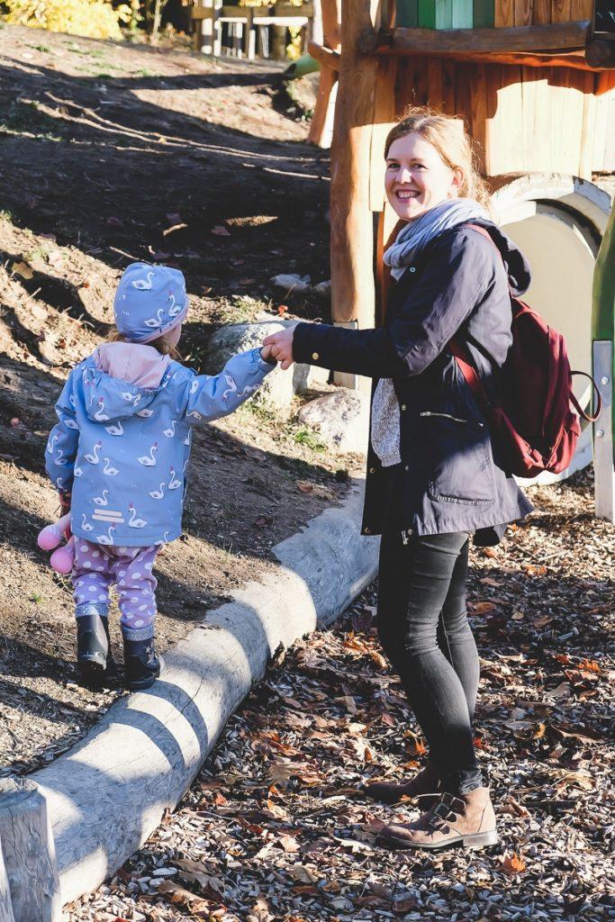 Ideen und Tipps um mehr Bewegung im Alltag integrieren zu können zwischen Familie Haushalt und Beruf auf Mamablog I need sunshine