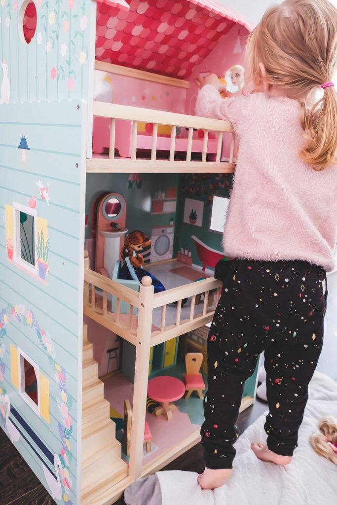 Geschenkideen zu Weihnachten für Kinder mit schönem Holzspielzeug von Tausendkind auf Mamablog Ineed sunshine