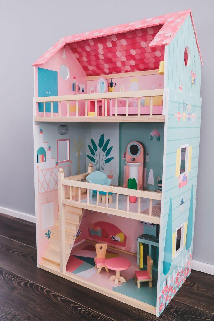Janod Puppenhaus Happy Day aus Holz für 30 cm große Barbie Puppen im Test und Erfahrungsbericht auf Mamamblog I need sunshine