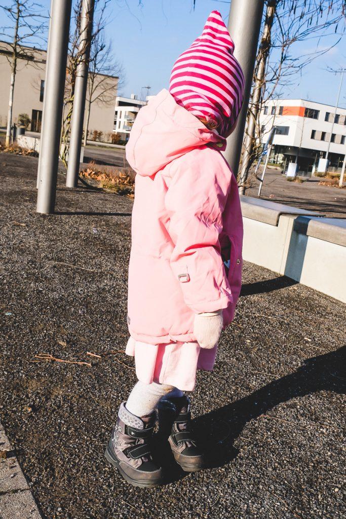 Was Kleinkind im Kindergarten oder Kita im Winter anziehen damit es nicht friert mit hilfreichen Tipps und Erfahrungen auf Mamablog Ineedsunshine