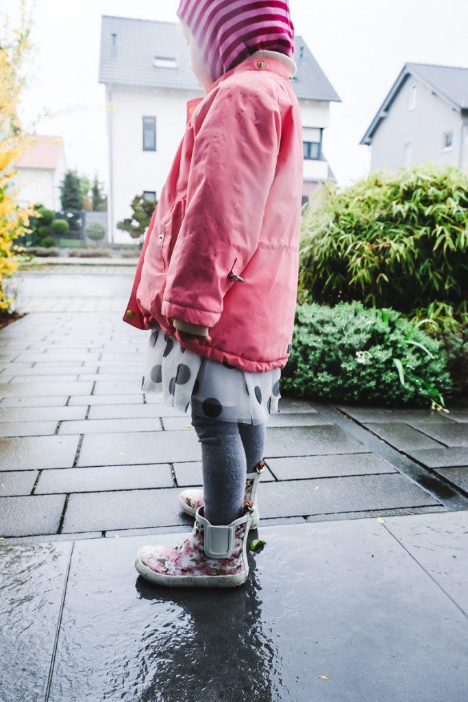 Kleinkind Frühling richtige Kleidung Tipp und Erfahrungen auf Mamablog Ineedsunshine