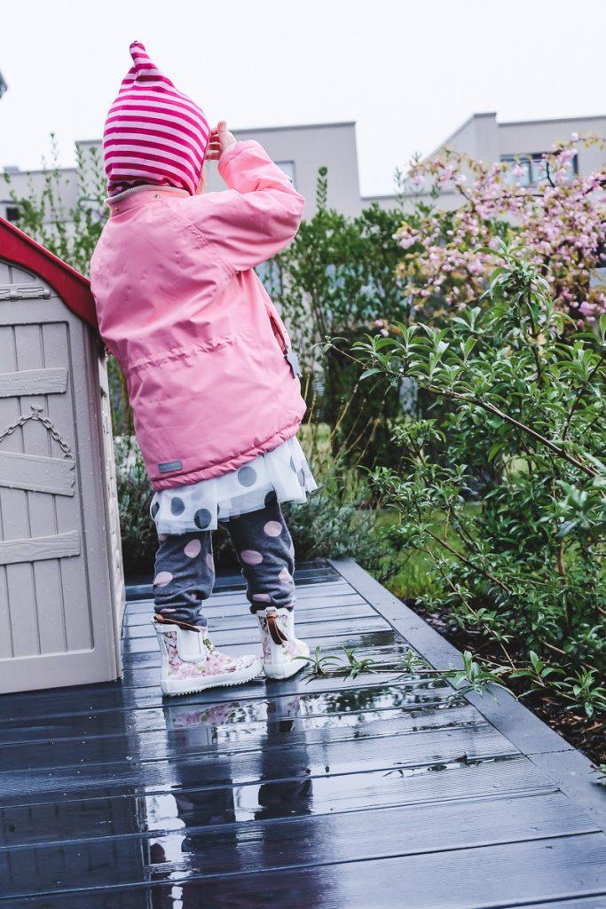 Kleinkind und Kind anziehen Frühling Kinderkleidung Übergangszeit Kleinkind anziehen Frühling Tipps und Erfahrungen auf Mamablog Ineedsunshine