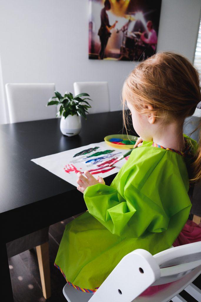 Osterbasteln Kleinkinder Ostereier aus Papier basteln Ostern mit Kindern Vorlage Malen einfach und schnell Mamablog Ineedsunshine