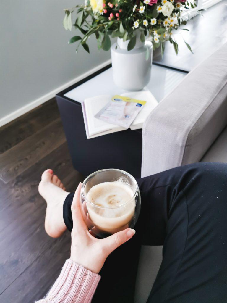Scholl Fußmaske in Socken Erfahrungen auf Mamablog Ineedsunshine