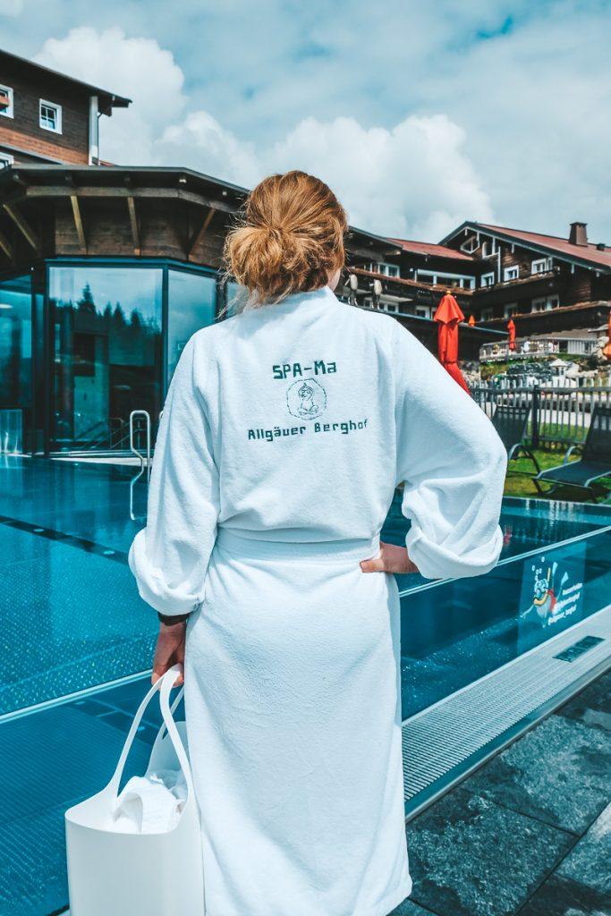 Wellnesshotel Allgäu mit Kindern Allgäuer Berghof Infinity Pool